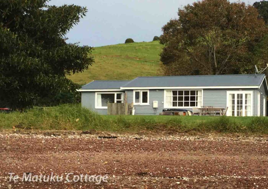 Te Matuku Farm Cottage